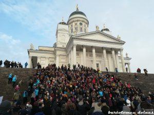 oameni scări tuomiokirkko